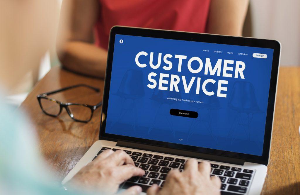 Với website bán hàng, các doanh nghiệp có thể dễ dàng hỗ trợ và chăm sóc khách hàng nhanh chóng và hiệu quả.